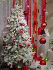 DIY Christmas Tree Decorating Ideas