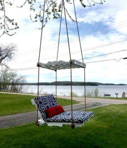 Pallet Garden Swing Chair