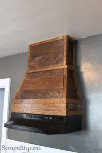 Pallet Rustic Style to Kitchen Hood