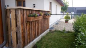 Wood Pallet Fence with Planters