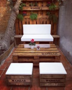 Amazing Furniture Ideas with Shipping Wood Pallets