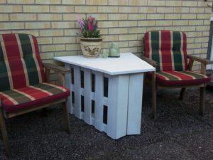 Unique Pallet Garden Table