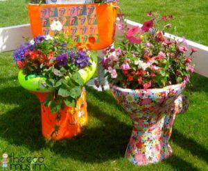 Camode Garden Art Ideas
