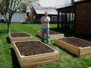 Pallet Backyard Garden Bed Idea