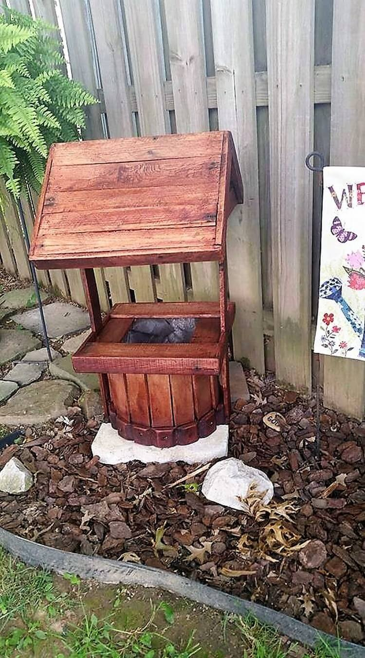 Pallet Wishing Well Planter