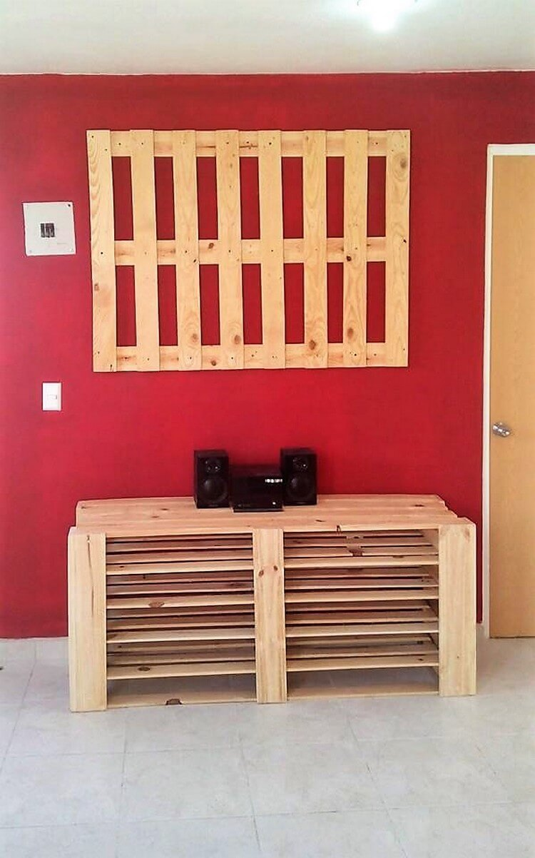 Pallet Media Table and Wall LED Holder