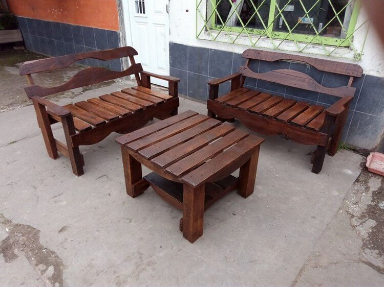 Unique Pallet Benches and Table