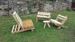 Pallet Adirondack Chairs Table
