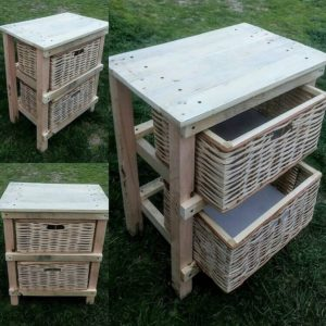 Pallet Laundry Table with Baskets