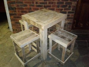 Recycled Pallet Stools and Table