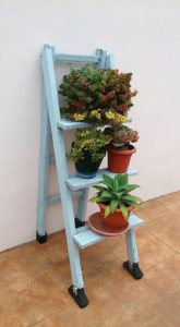 Wood Pallet Planter Stand