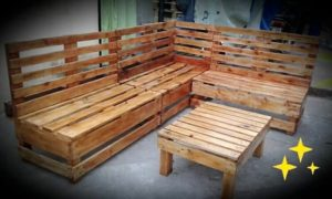 L Shaped Pallet Couch and Table