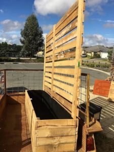 Pallet Planter with Privacy Fence
