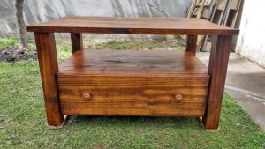 Wooden Pallet Coffee Table with Drawer