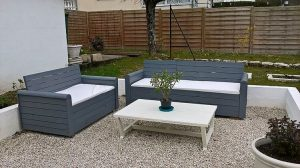 Pallet Couches and Table