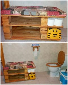 Pallet Bathroom Seat with Toilet Paper Roll Storage