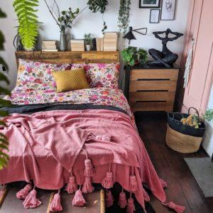 Bohemian Style Beautiful Bedroom Design (32)