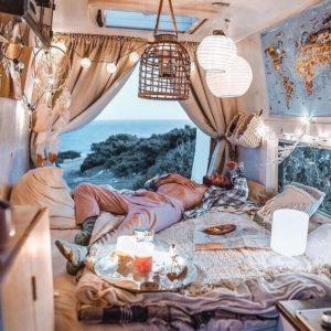 Creative Bohemian Home Decor Design (24)