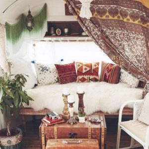 Creative Bohemian Home Decor Design (31)